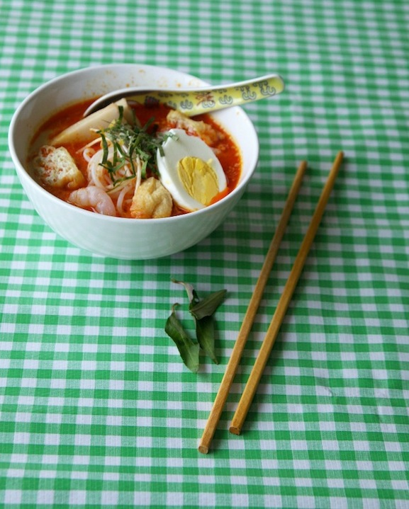 laksa-soup-w-spoon-ans1