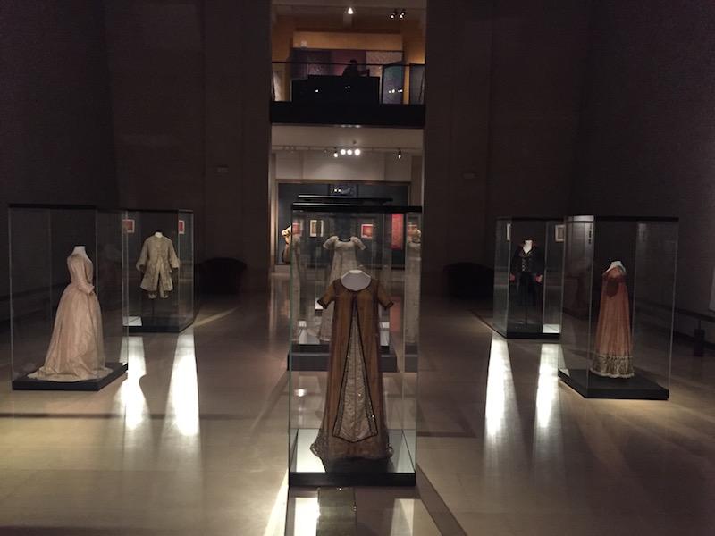 musee-de-tissus-lyon-fashion