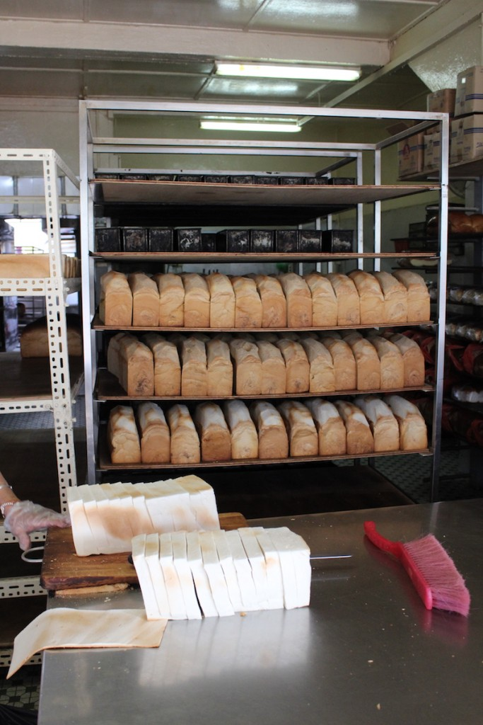 slicing and packing bread