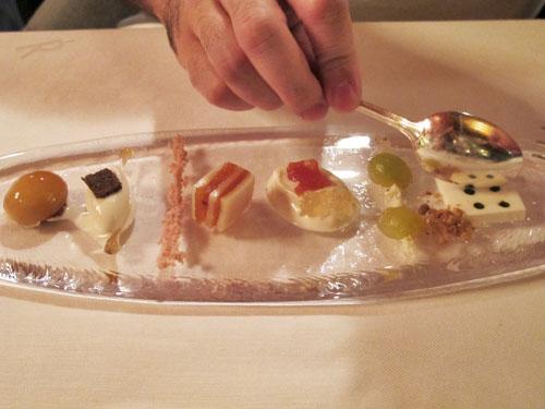 akelare-dessert-plate-bekarki-menu