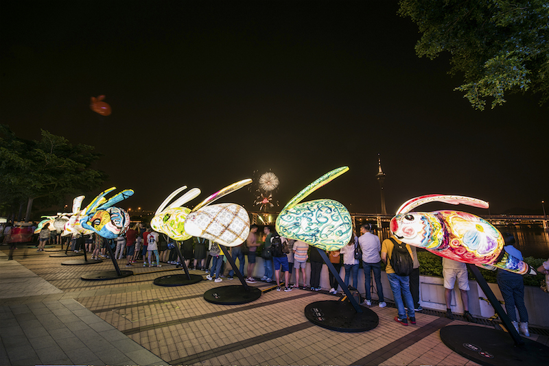 Artist Rabbit Lanterns