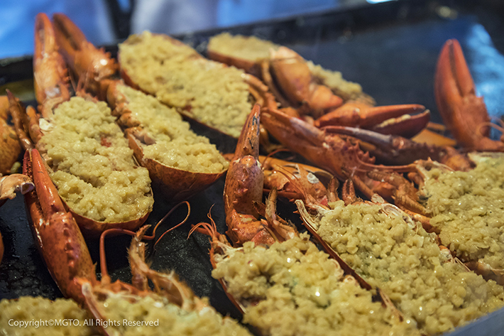 Macau-Food-Festival-Garlic-Grilled-Lobsters