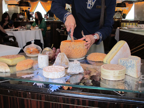 robuchon au dome macau cheese trolley michelin star